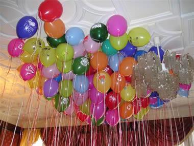 iç mekan uçan balon